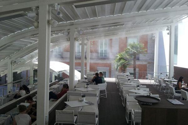 mua hệ thống phun sương quán cafe