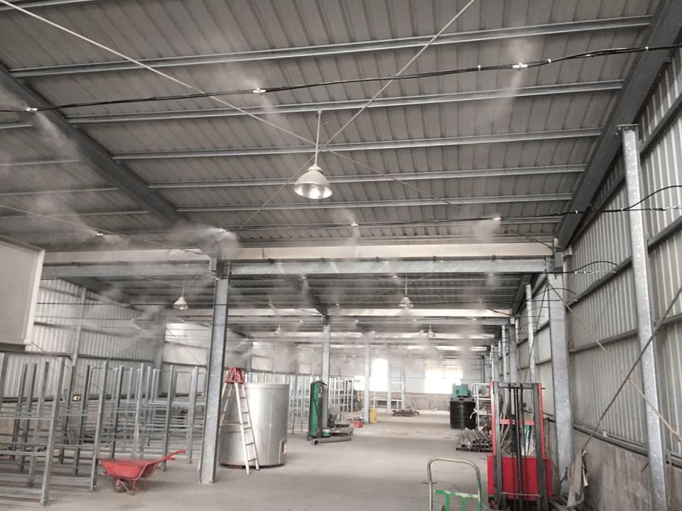 phun sương nhà xưởng